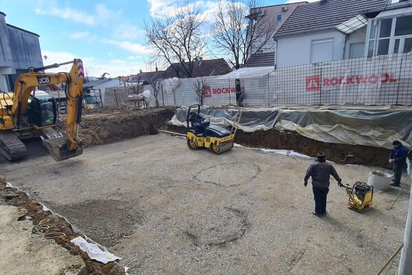 Na staveníšti budoucího